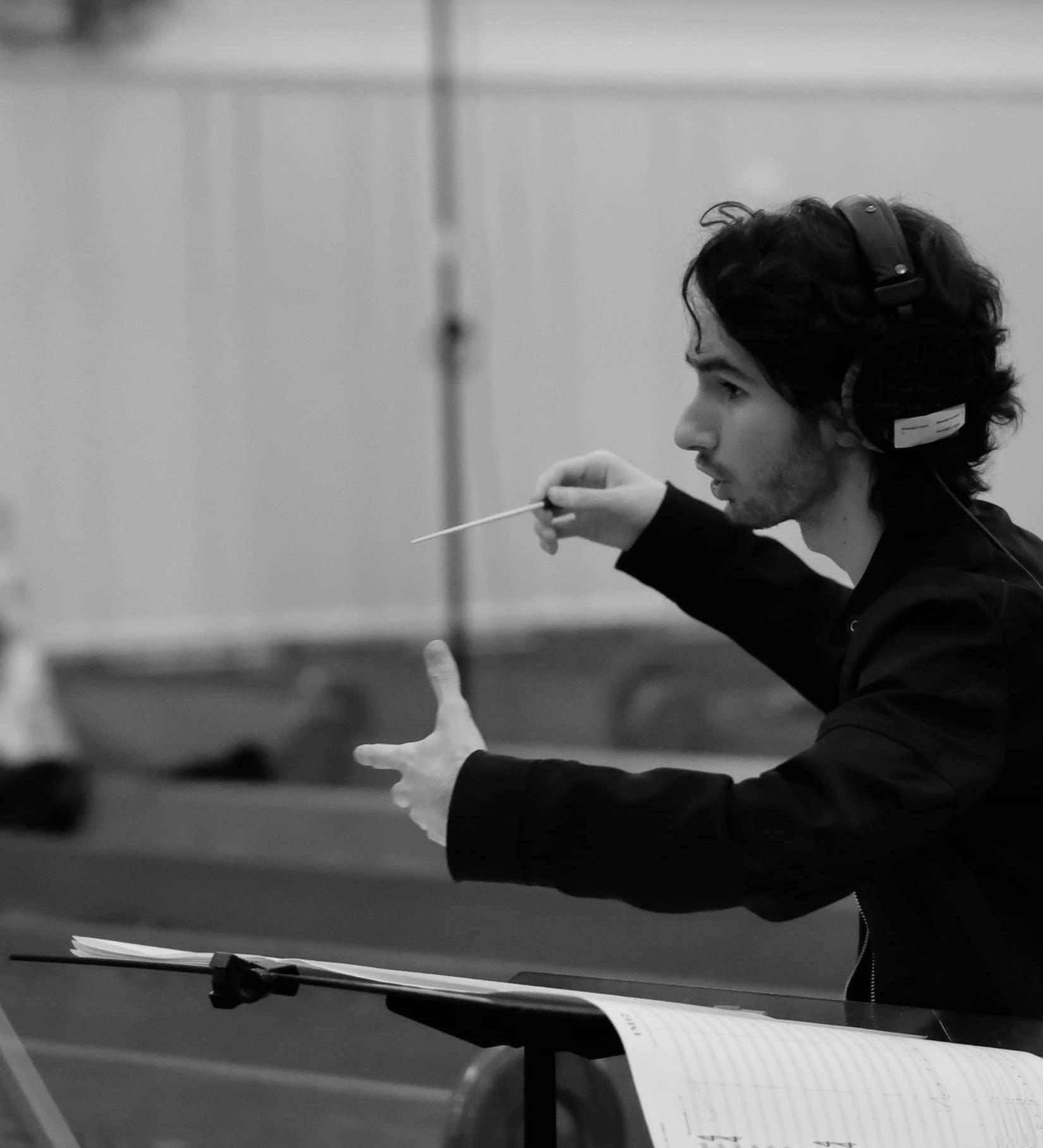 Pedro Osuna conducting at Berklee College of Music.