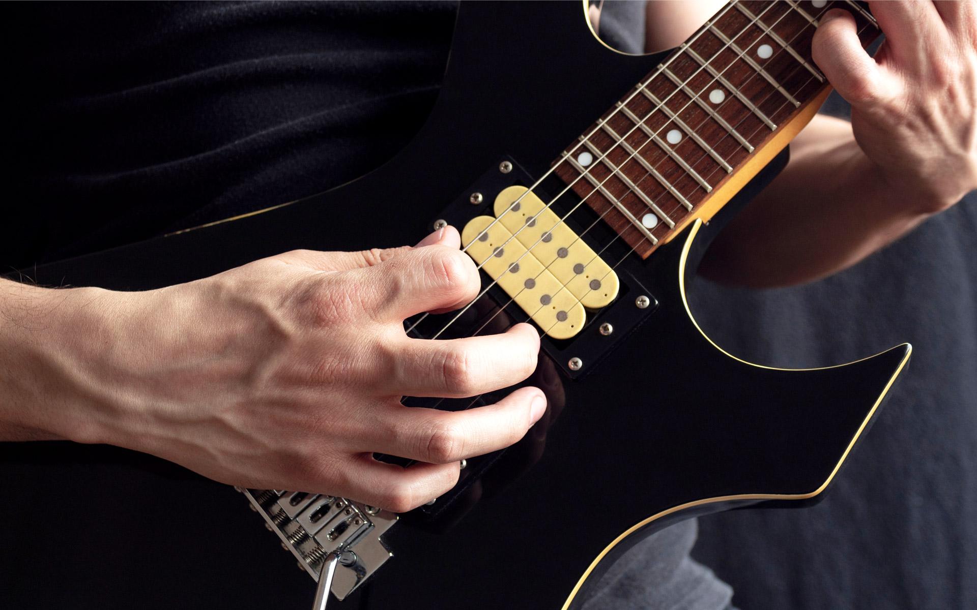 7 Fundamental Metal Guitar Techniques