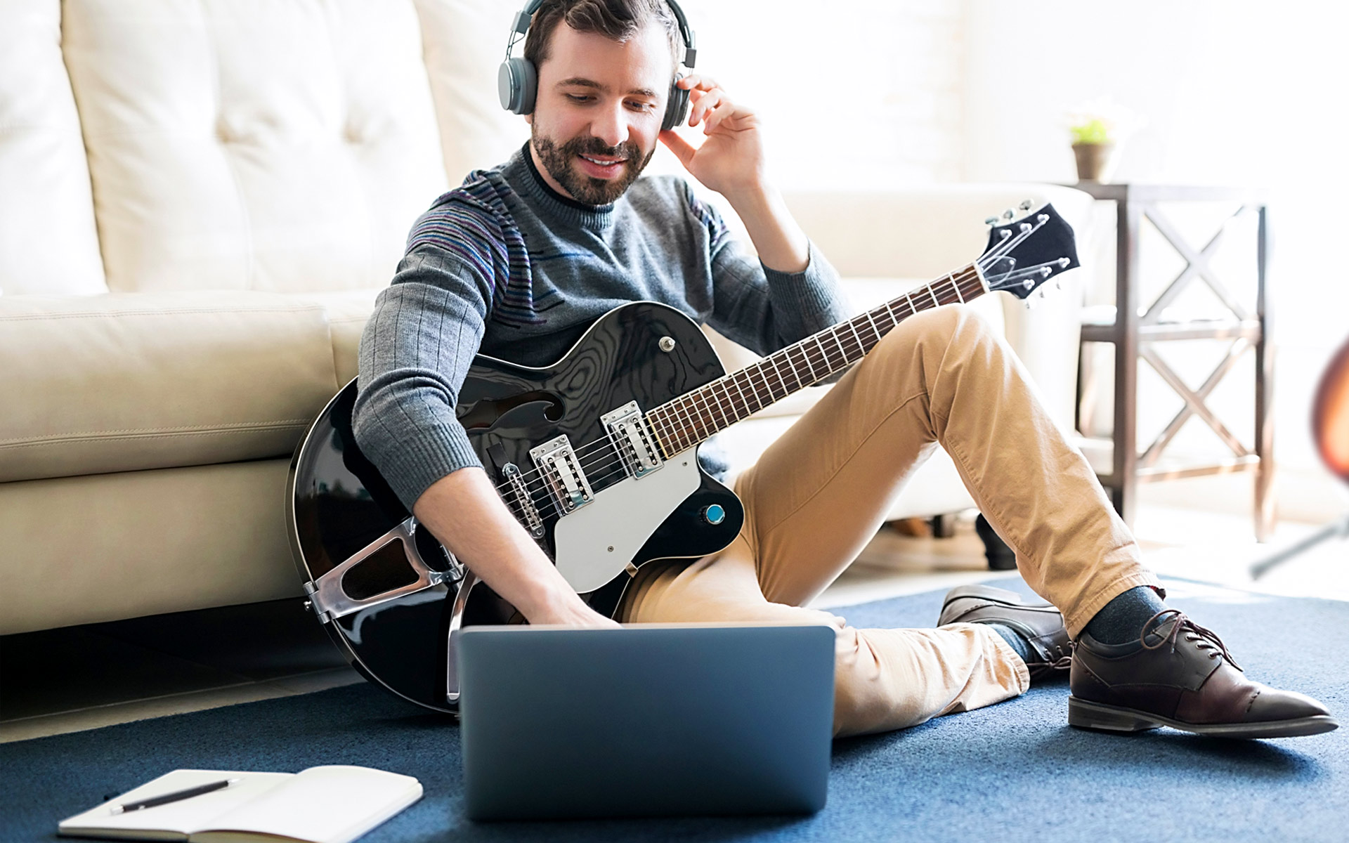 Song Lyrics Generators: Are They Good for Songwriters?